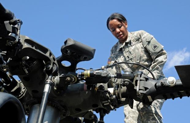 "MTSU Alumna Soars Over Nation's Capital | MTSU alumna, soars over nation's capital in Blackhawk helicopter,  First Lt. Demetria N. ""Dina"" Elosiebo, District of Columbia National Guard, WGNS"
