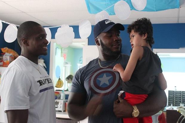 Too Cool: NFL Players visit Special Kids in Murfreesboro | Sammie Seamster,Jimmie Staten,Ravens,Seattle Seahawks,Special Kids