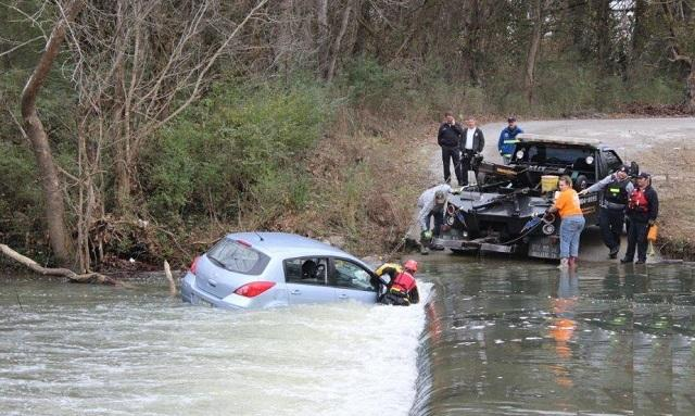UPDATE: Water Rescue in Rutherford County   water rescue, Rutherford County Sheriff's Department, Epps Mill Road, WGNS, WGNS News, Murfreesboro news, water rescue