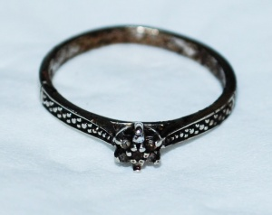 Deceased woman found... Do you recognize this ring?