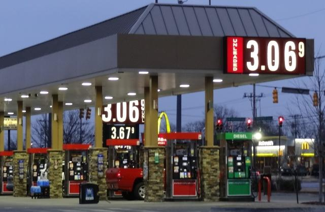 Gas Prices Steady...Still $3.06 In 'Boro! | gas prices steady; $3.06 per gallon; Murfreesboro, 'Boro, WGNS