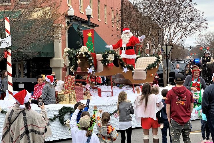 2019 Murfreesboro Christmas Parade Breaks Records!