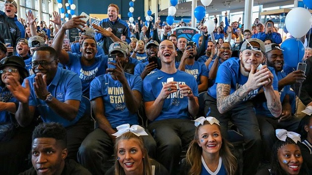 Raiders to Play Minnesota in NCAA Tournament