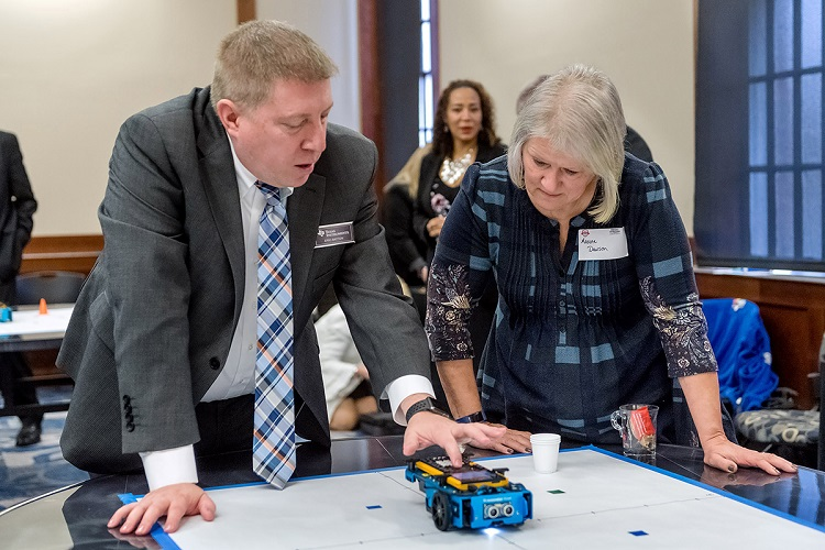 Leaders unified to bring bright students  to STEM education, careers at MTSU summit
