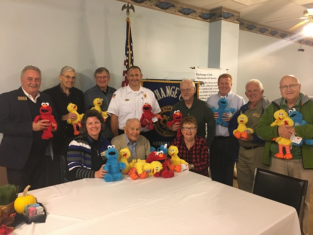 Exchange Club of Murfreesboro Donates 200 Stuffed Animals to MFRD