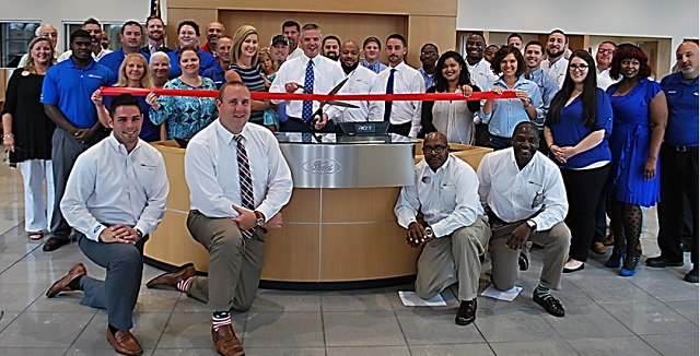 Ribbon Cutting at FORD OF MURFREESBORO
