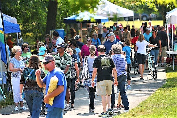 Perfect temps and a gentle breeze brought record attendance to Saturday's 17th Annual Greenway Art Festival in the Old Fort Park.