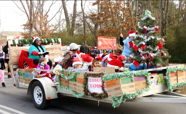 The Grinch Christmas Float Ideas.Record Turnout For Murfreesboro Christmas Parade