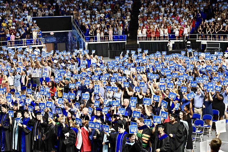 MTSU Convocation speaker to large freshman class: 'Take your passion seriously'