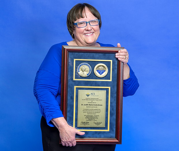 Veteran MTSU professor earns national chemistry distinction