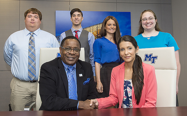 Rutherford County residents graduate with honors from MTSU