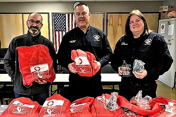 Invisible Fence Donates Pet Oxygen Masks To RCFR