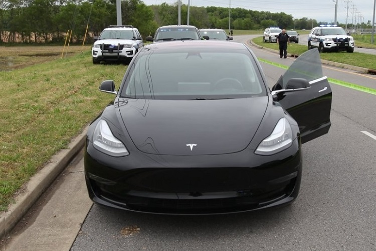 More on the 42-year old Murfreesboro woman who was shot while driving her Tesla car on Veterans Parkway near Kingdom Drive around 11:15AM this past Thursday morning