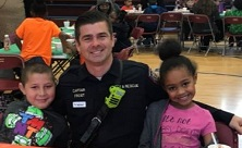 Firefighters Have Thanksgiving Lunch with Local Elementary Students