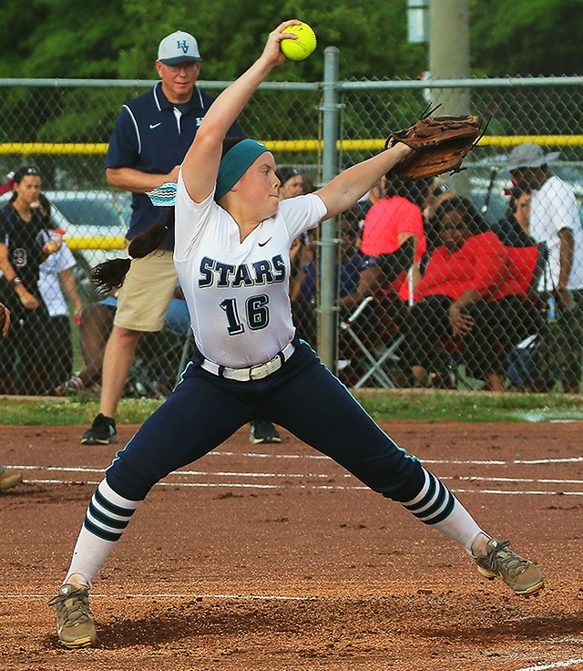 Siegel Escapes Hardin Valley 3-2 in 10