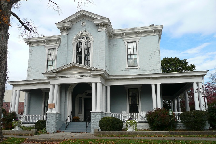162-Year Old Woman's Club Needs Major Renovations
