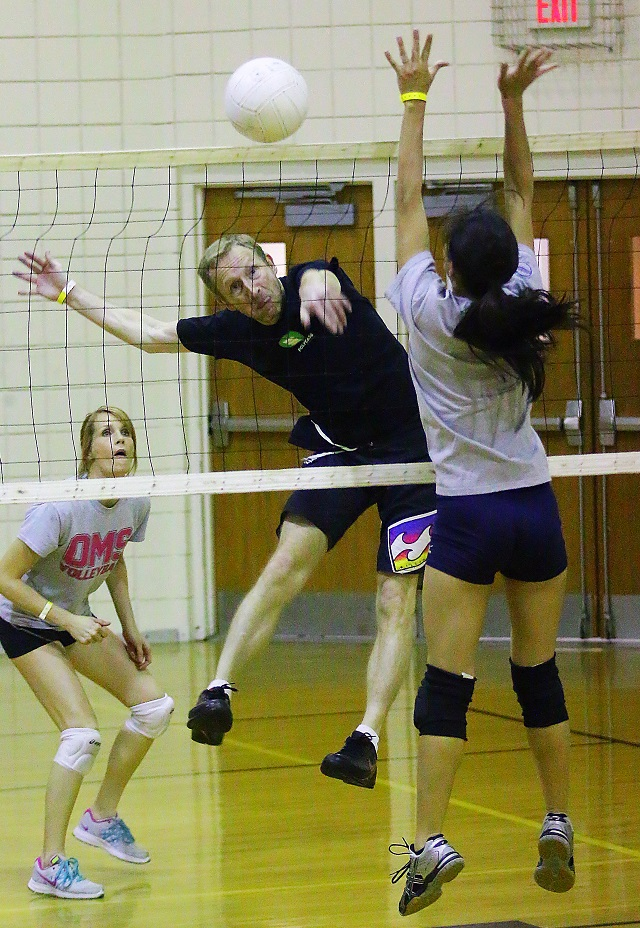 Volleyball Adult 51
