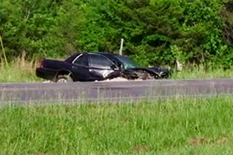 2 Killed In Wednesday Morning Single-Car Crash