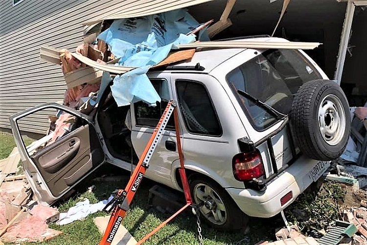 Car Crashes Into Miranda Dr. Home Wednesday