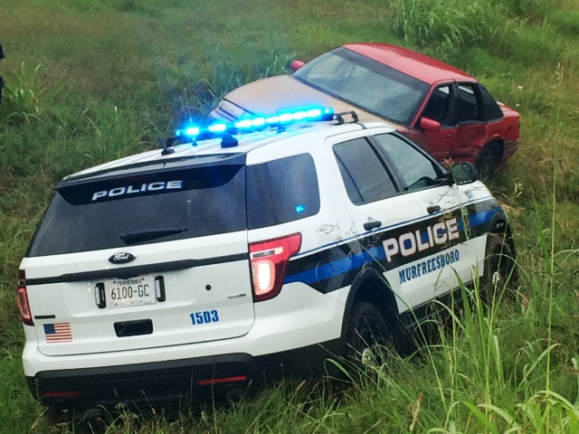 MPD Pursue Shoplifting Suspects...Wreck Occurs!
