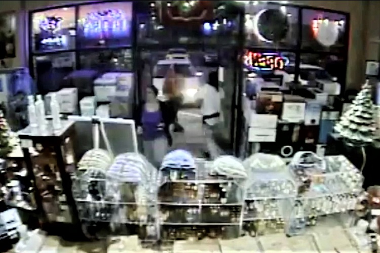 Smyrna Police need your help identifying a suspect who assaulted a female customer at Parkway Wine & Spirits on Christmas Eve.
