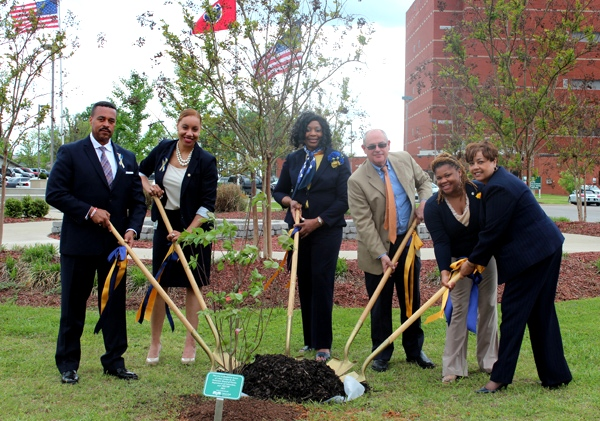 Tree Planted To Honor Crime Victims